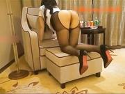国语高级酒店爆操极品黑丝大长腿美女太骚了不停的语言挑逗下集