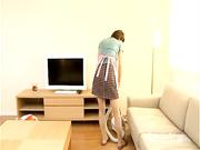 日本家庭主妇性欲极强自慰被人干劲爆